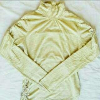 Max: Yellow Stripes