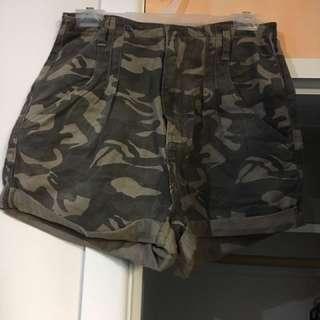 Cute high waisted shorts size 10