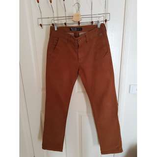Mossimo STRAIGHT FIT chino's size 30