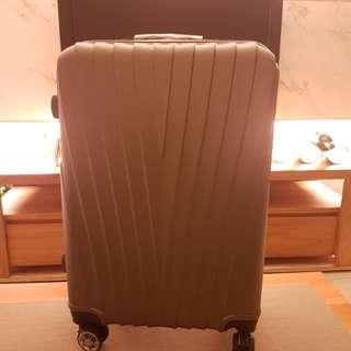 全新24吋鐵灰色行李箱brand new 24-inch suitcase (iron gray)