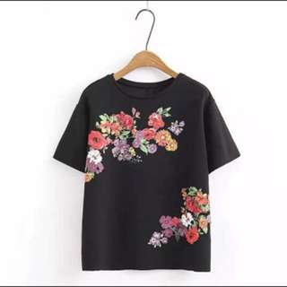 New Stock arrival🎉🎉🎉 💕Floral Print Tee Shirt💕 Sweater cotton, thick stretch✨ Size: Fit up to L 🎀 U.S. Style Fashion🎀 (free shipping-Manila area