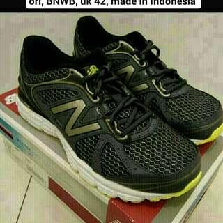 Sepatu New Balance Utra Soft Running Mens M560RT6