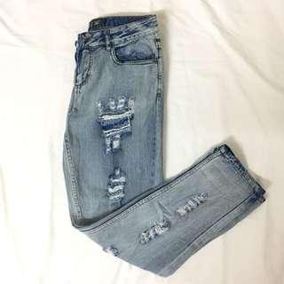 Boyfriend Ripped Jeans by Factorie