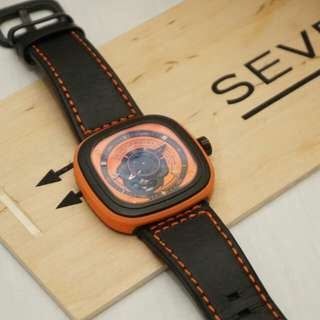 Men's automatic fashion watch with wooden presentation box