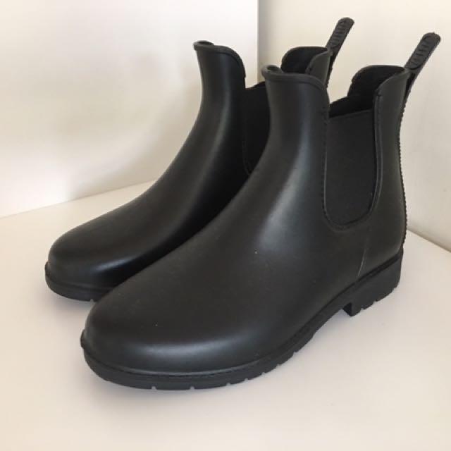 近全新 時尚防水雨靴 短靴