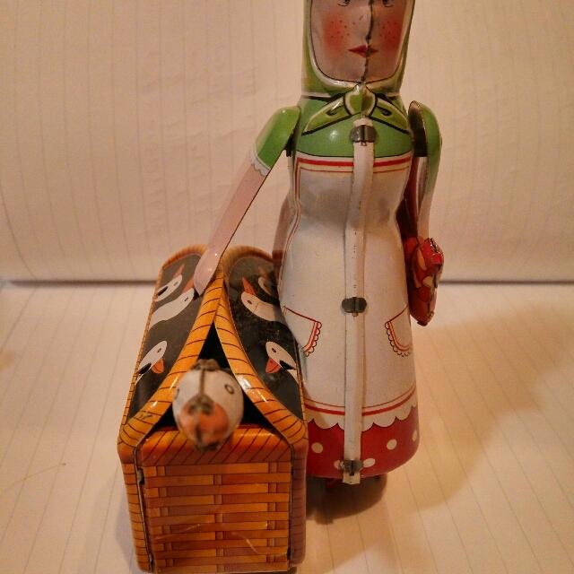 鐵皮 玩具 女人 HKD 90