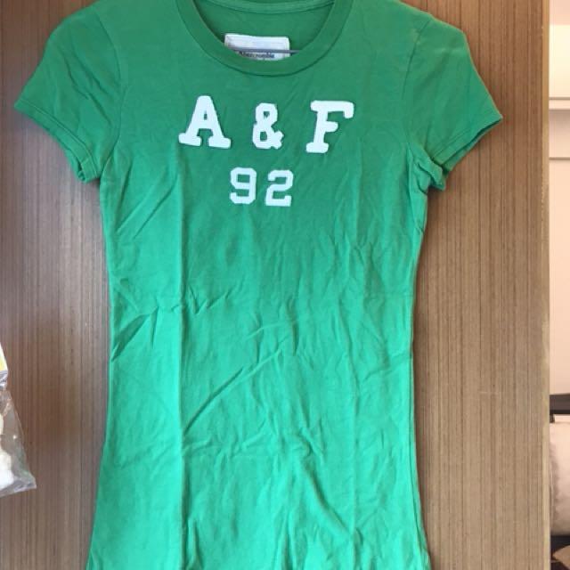 A&F綠色短袖
