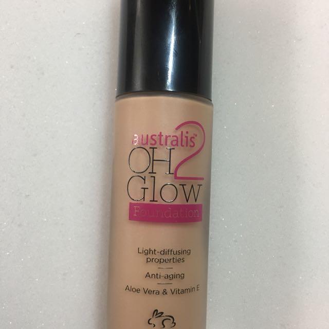 Australis OH2 Glow Foundation + serum primer