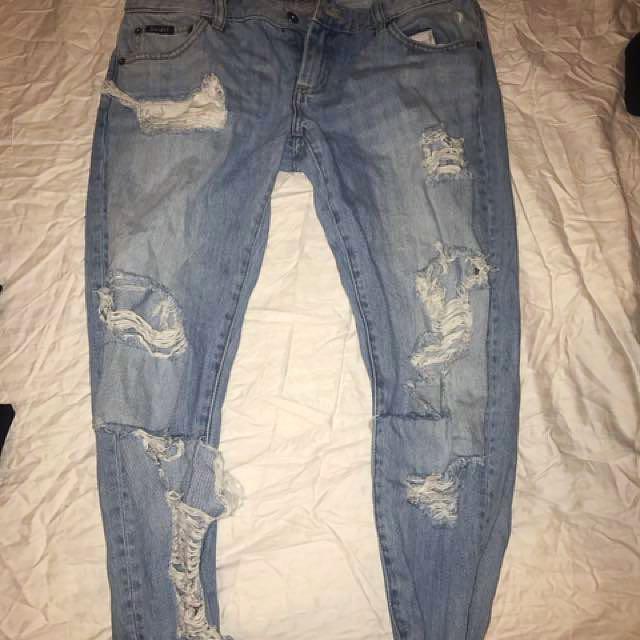Bardot ripped boyfriend jeans size 10