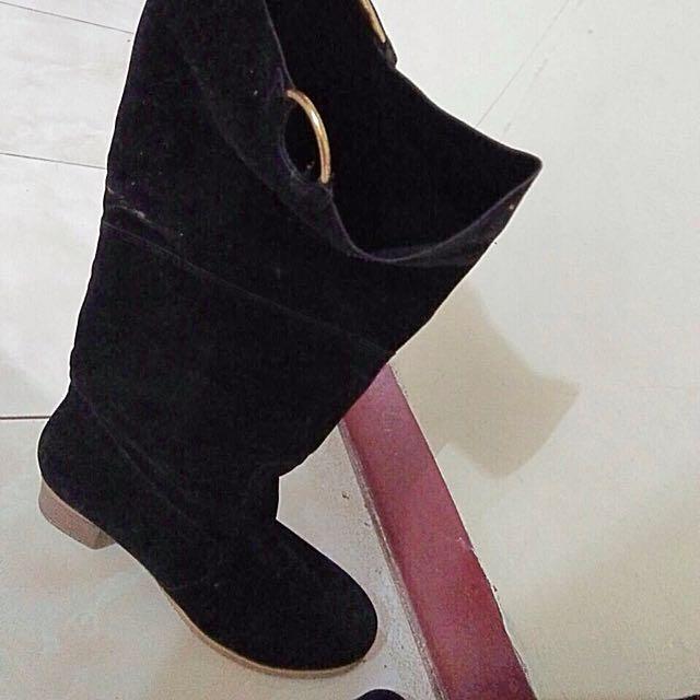Boots reprice bahan bludru