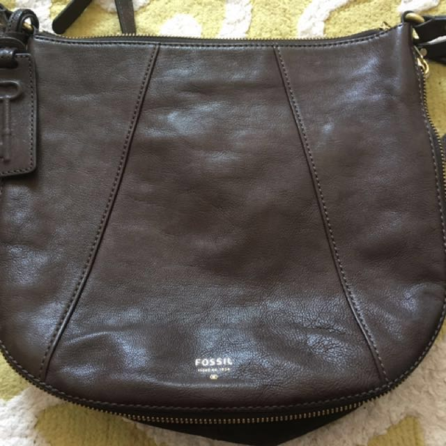 Fossil Leather Darkbrown Sling Bag