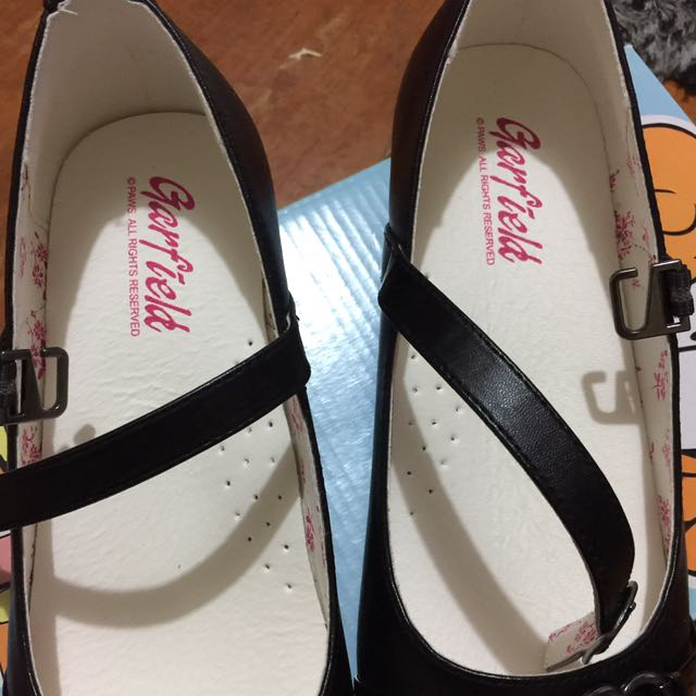 garfield black shoes
