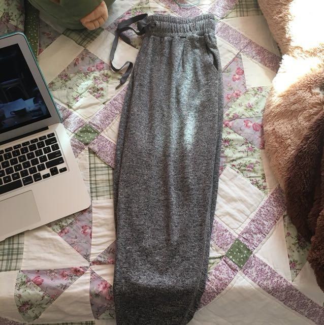 Grey aerie joggers