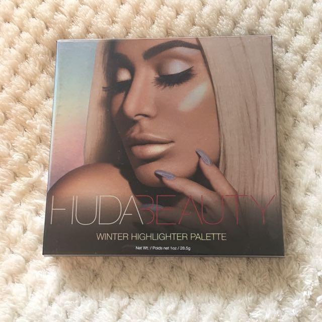 Huda Beauty Highlighter Palette winter