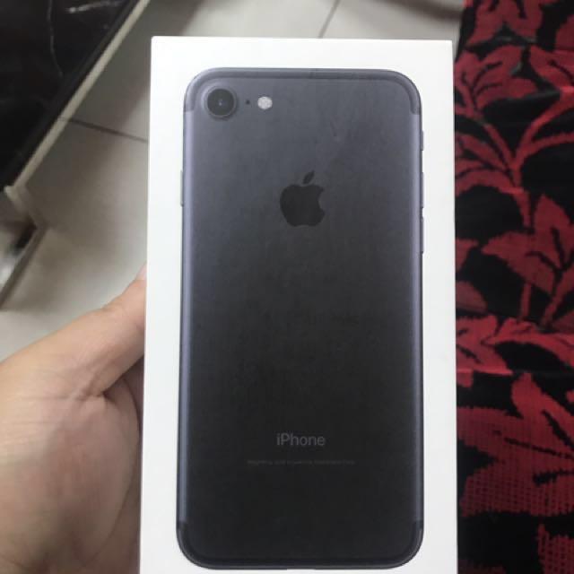 iPhone 7消光黑32 保固內