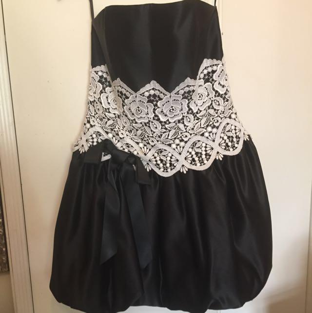 Jessica McClintock Formal Lace Dress Size 10