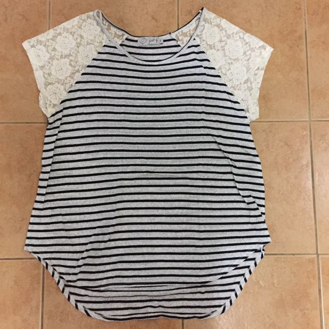 Just G striped top with lace