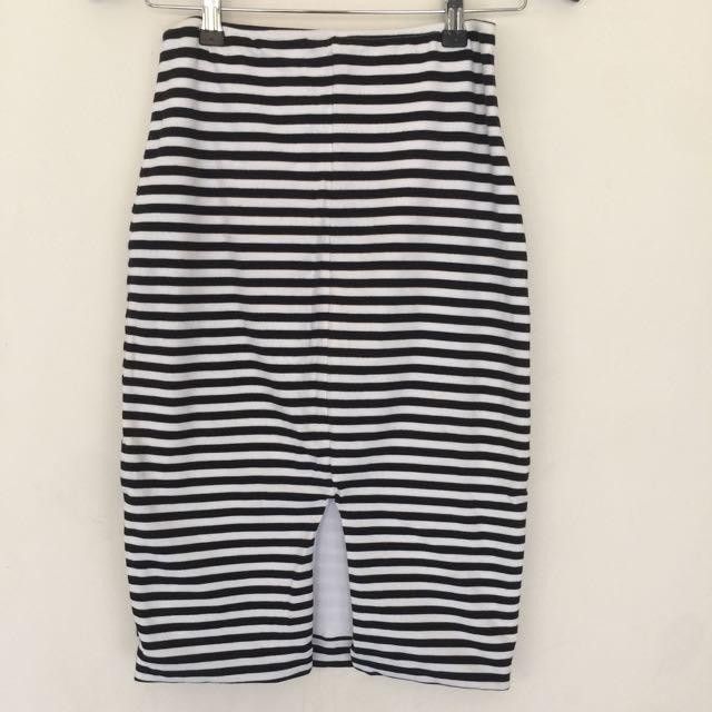 KOOKAI Tube Skirt Size 2
