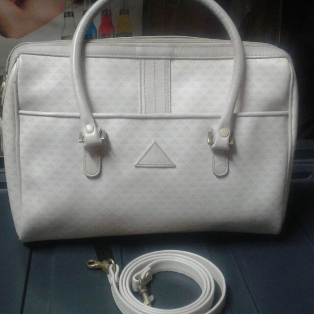Liz Claiborne sling/hand bag