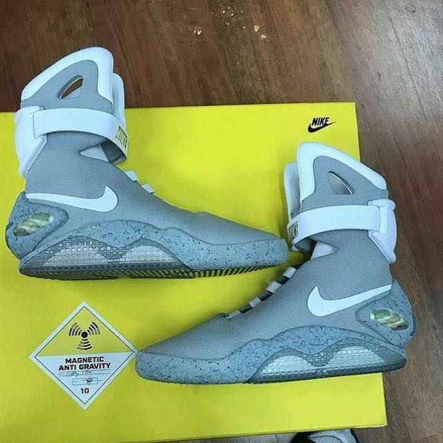 """nike air mag """"back to the future"""""""