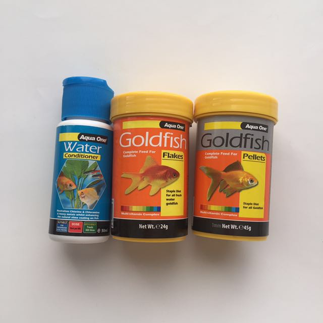 PET GOLDFISH FOOD and water supplies