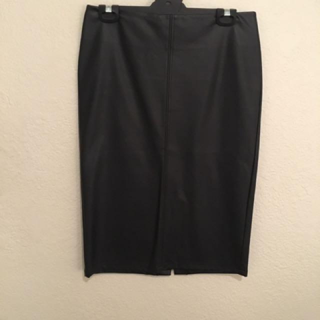 PU 'leather' pencil skirt