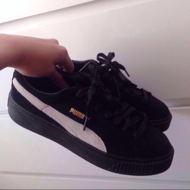 lowest price 9cd94 d1932 Puma suede platforms BTS, Men's Fashion, Footwear on Carousell