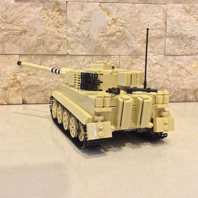 Replica: Brickmania Tiger 1 Ausf H tank WWII North Africa