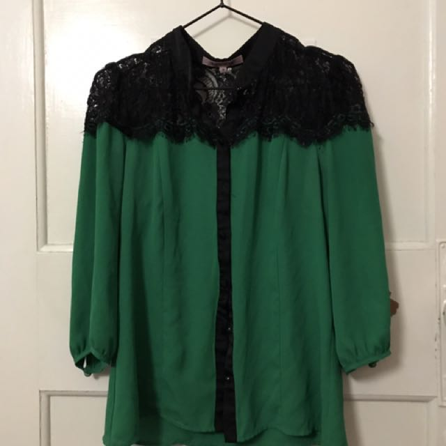 Review blouse, green size 10