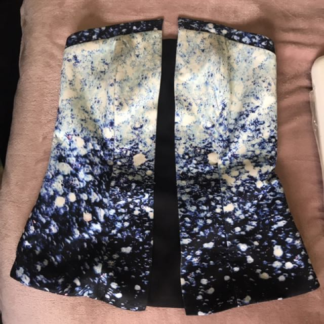 Strapless top size 6