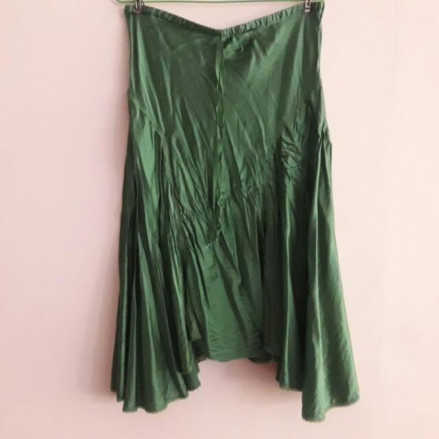 Studiom綠色裙子(鍛面材質)