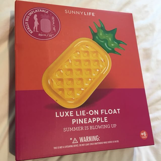 Sunnylife luxe lie-on float pineapple