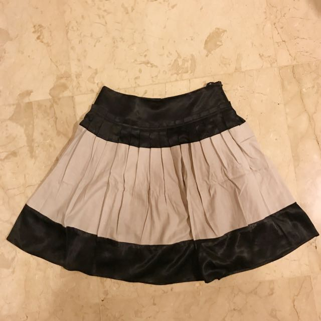 Theme Short Skirt