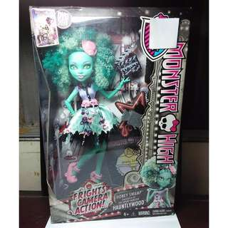 MONSTER HIGH Frights Camera Action Hauntlywood Honey Swamp First Release Doll