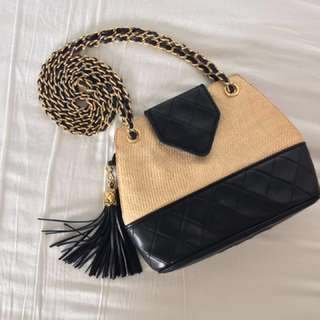 CHANEL VINTAGE tassel shoulder bag