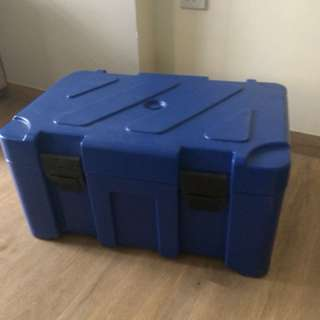 Insulated hot& cold box