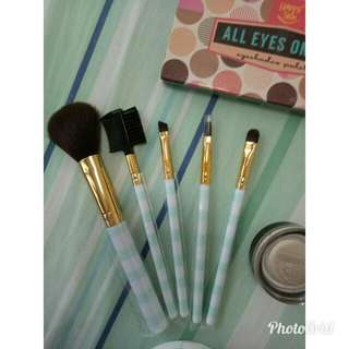 Love & beauty(cosmetic brushes) by FOREVER21