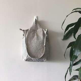 *Minimalist laptop bag* Baggu black/white grid