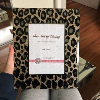 Leopard 5x7 photo frame