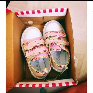Brand New Sugar Kids Sneakers Baby Rubber Shoes size 21