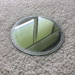 MIRROR WITH JEWELS