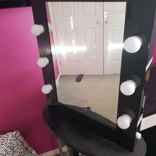 Vanoty mirror