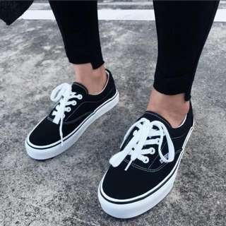 全新現貨37號,黑色帆布鞋