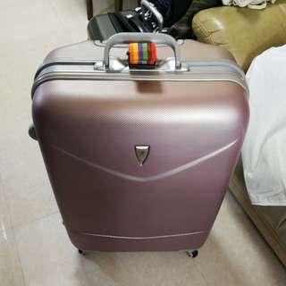 "Luggage Beverly Hills Polo Club  28"" No Zipper! 正版 外觀9成新 內飾全新 送行李帶"