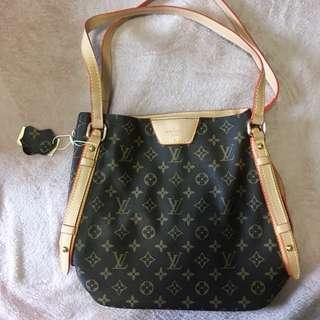 Luis Vuitton Bucket Bag REPLICA