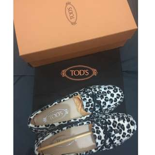 Tod's shoes NEW 38