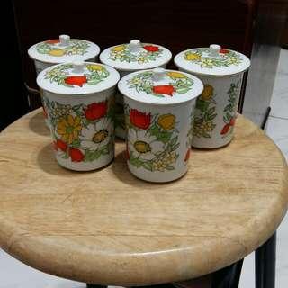 陶瓷茶杯(有蓋子)×5