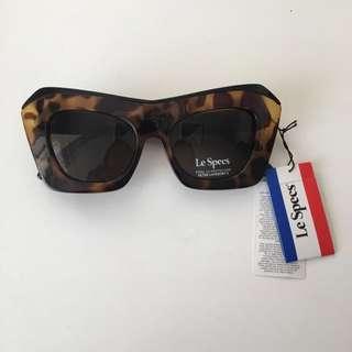 Le Specs- The Villain Sunglasses