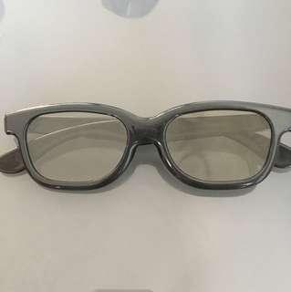 睇3D電影必備😎 3D眼鏡