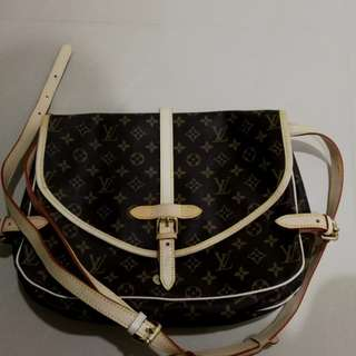 #fashion 100  Louis Vuitton HANDBAG let go*normal price RM 360 ; Now Rm 180*